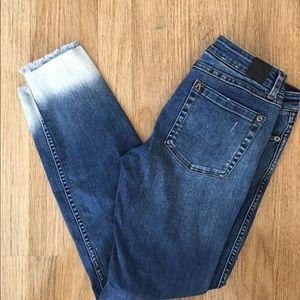 FINAL PRICE RVCA Low Skinny Jeans w Frayed Ankle
